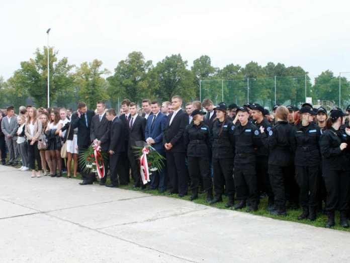zdjęcie 2014-powiatowa-inauguracja-roku-szkolnego@zespół szkół i. J. Wyżykowskiego@Głogów-003