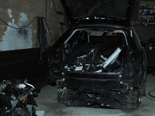 2014-10-27-skrdziony samochód num
