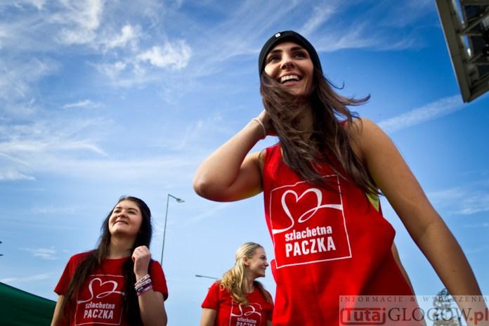 2014-11-08 Maraton Zumba Fitness Tańcz i pomagaj @Parking Tesco (fot.P.Dudzicki) 15