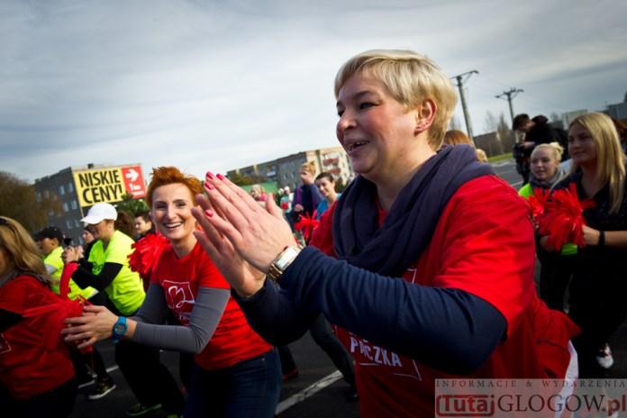 2014-11-08 Maraton Zumba Fitness Tańcz i pomagaj @Parking Tesco (fot.P.Dudzicki) 19