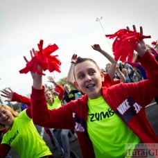 2014-11-08 Maraton Zumba Fitness Tańcz i pomagaj @Parking Tesco (fot.P.Dudzicki) 01