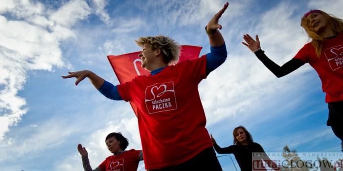 2014-11-08 Maraton Zumba Fitness Tańcz i pomagaj @Parking Tesco (fot.P.Dudzicki) 49