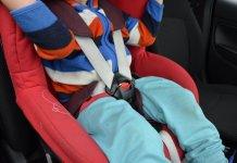 2015-05-16 dziecko w foteliku samochodowym
