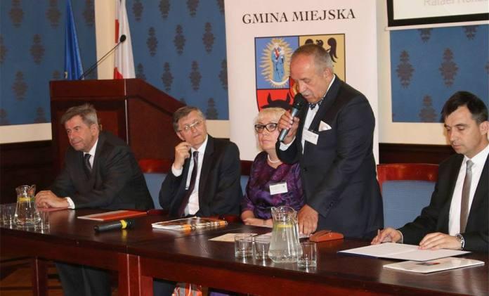 2015-06-19 Prof. Andrzej Zoll odznaczony w Głogowie @Ratusz (fot. A. Błaszczyk) 2