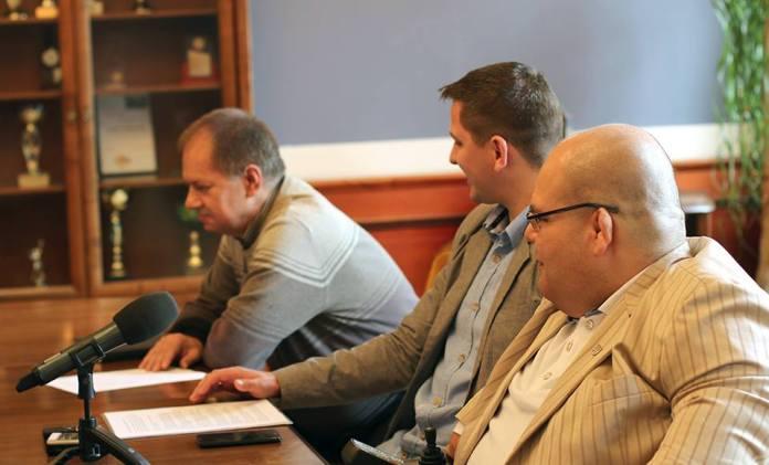 2015-06-22 Głogów Będzie podwyżka dla prezydenta @Ratusz (fot. A. Błaszczyk)