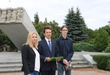 2015-07-28 W Głogowie powstał Komitet Referendalny Ruchu Pawła Kukiza @Pomnik Dzieci Głogowskich (fot. A. Błaszczyk)
