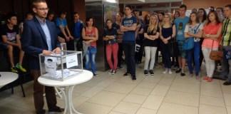 2015-07-01 Głogów Młodzi chcą pracowac w wakacje @MOK SM Nadodrze (fot. A. Błaszczyk)