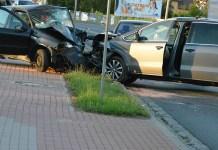 2015-07-11 Głogów: Policja wyjaśnia przyczyny wypadku @ul. Legnicka, ul.Kolorowa (fot. A.Błaszczyk)