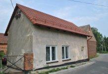 2015-08-18 Świetlica w Domanowicach ma nowy dach @Domanowice (fot. UG Żukowice)