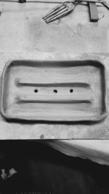 Sloped Clay Sopa Dish with Raised Drainage