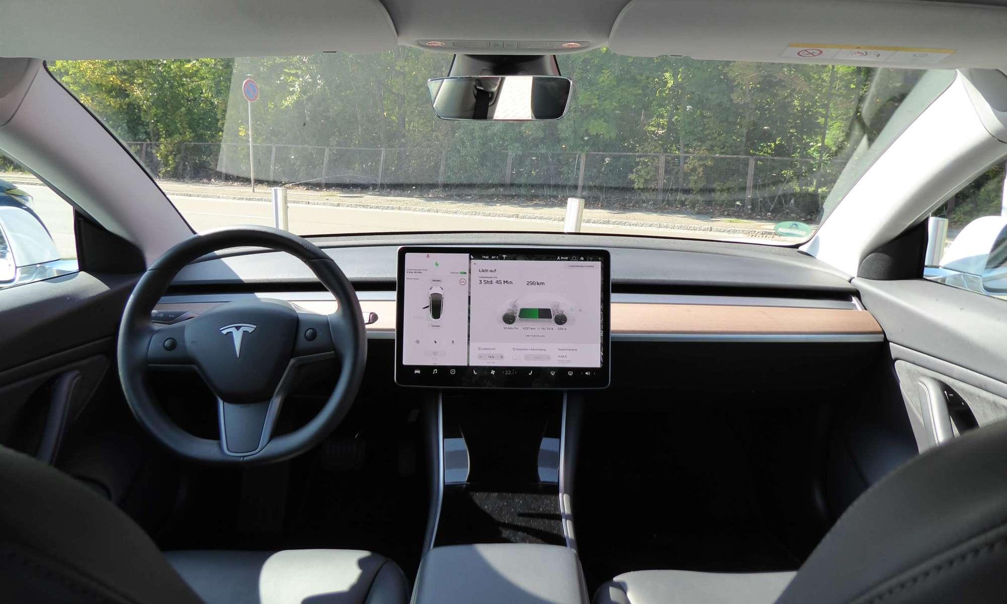 Tesla Model 3 mieten Zwickau