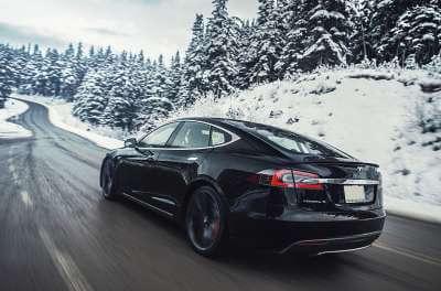 Tesla Model S 75d mieten in Köln schwarz
