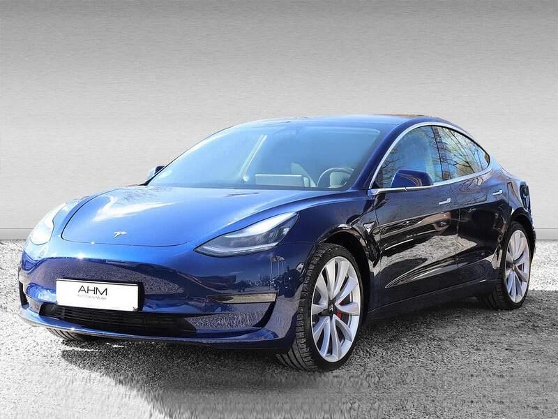 Tesla Model 3 mieten in Freising blau vorne