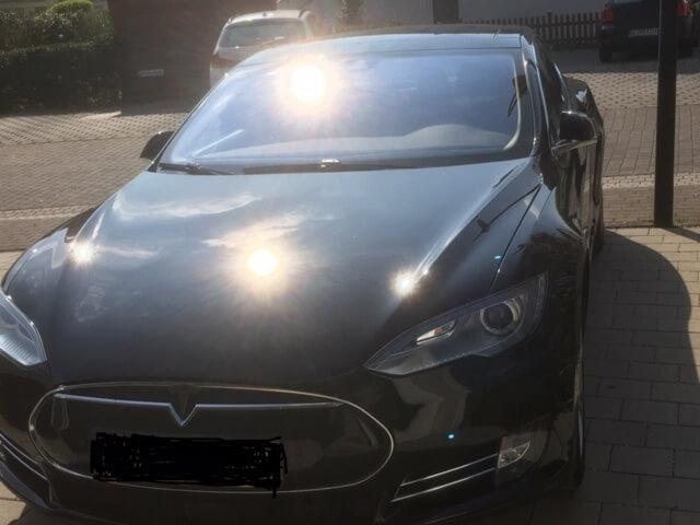Tesla Model S mieten für Hochzeit in Gießen drauf