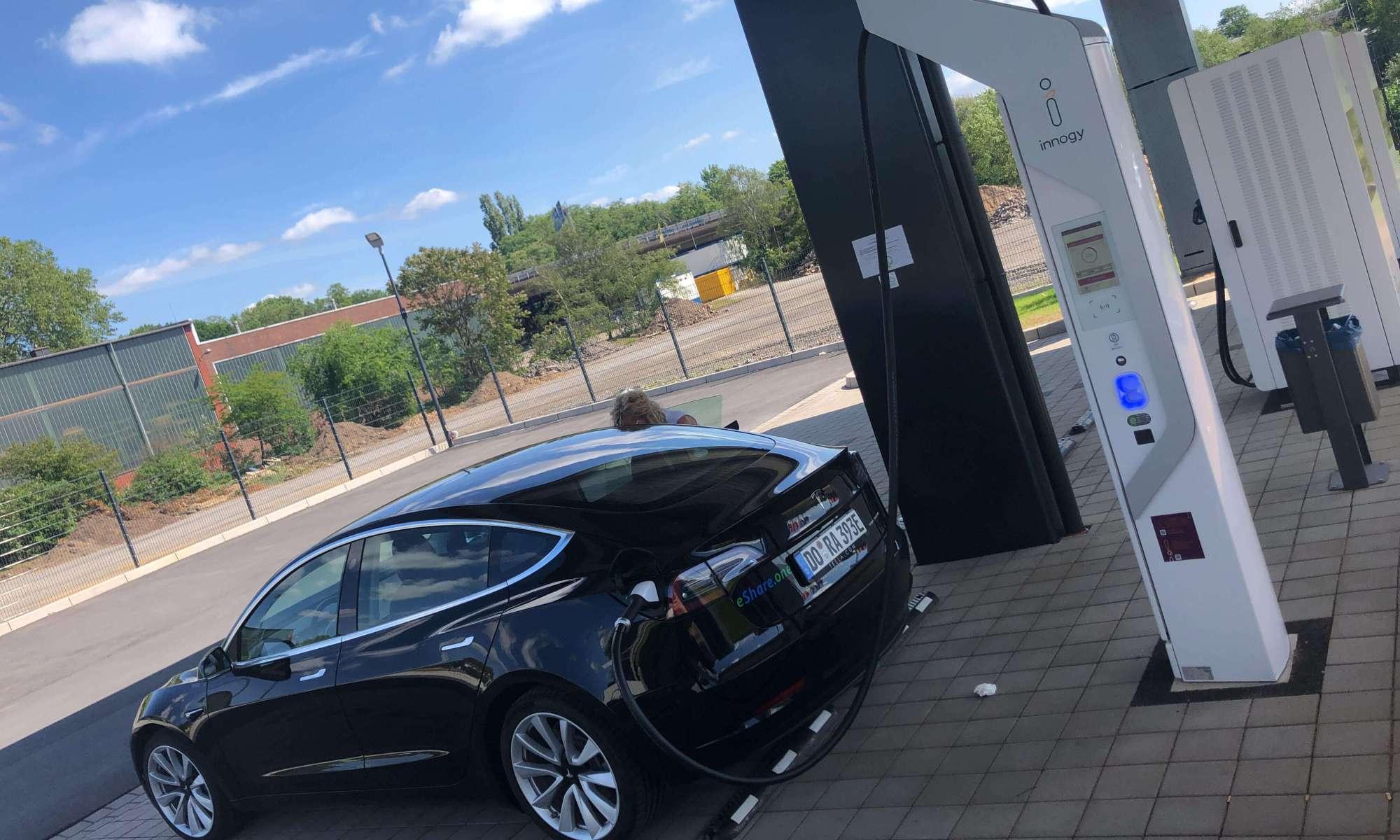 Tesla Model 3 Dortmund mieten