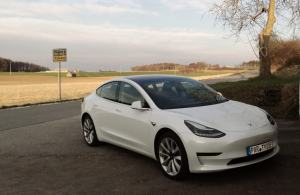 Tesla Model 3 mieten in Parsberg
