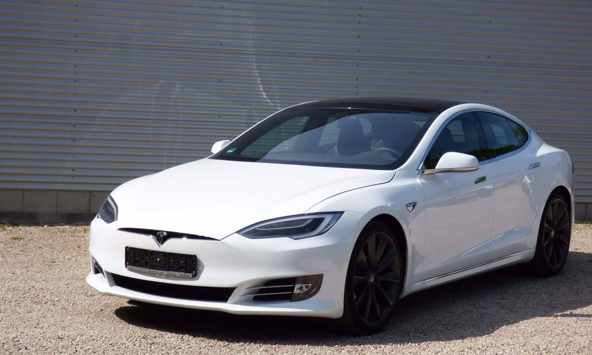 Tesla Model S mieten in Zwickau