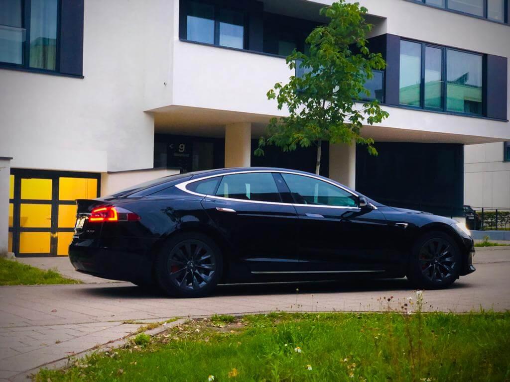 Tesla Model S Performance mieten Hamburg