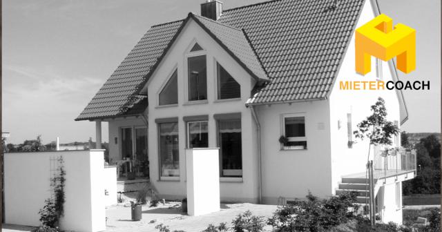 Schwarzbau: Bauen ohne Baugenehmigung ist ein Risiko und eine Kostenfalle beim Immobilienkauf; Schwarzbau steht unter Strafe - Duldung ist möglich, Schwarzbauten erwerben niemals Bestandsschutz