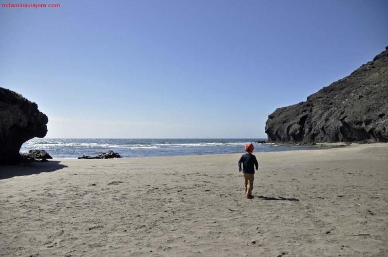 Ruta calas mágicas, Playa de Genoveses a playa de Monsul, Cabo de Gata, Almería