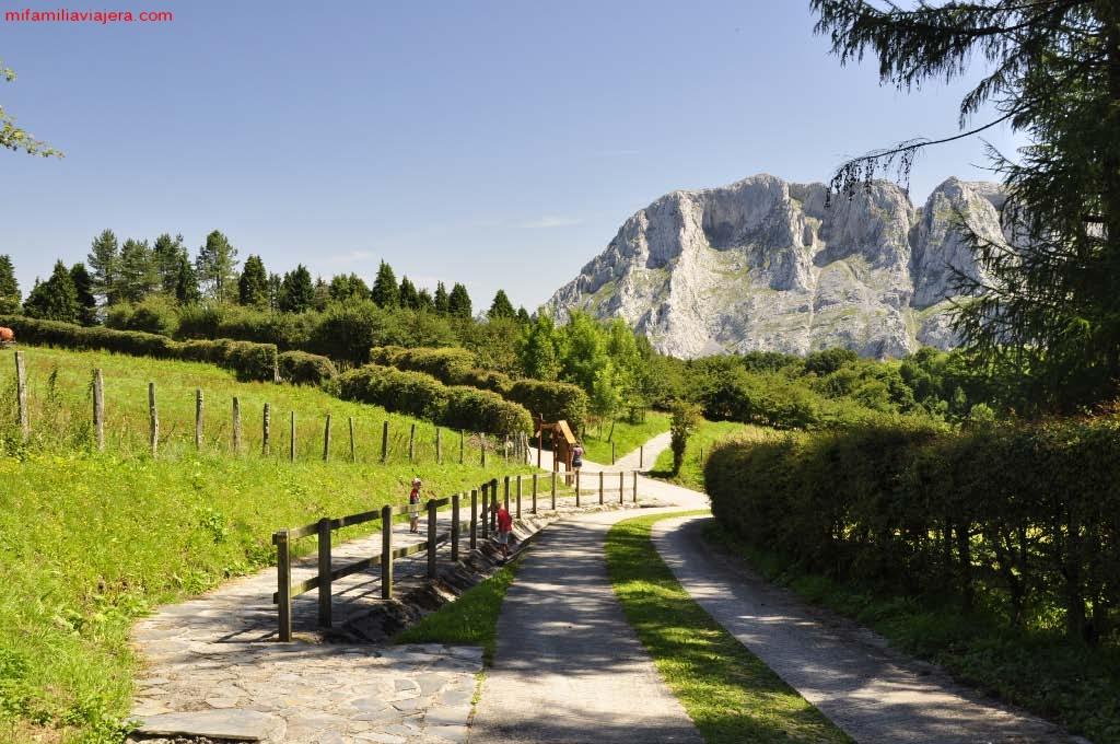 Inicio ruta Parque Natural de Urkiola