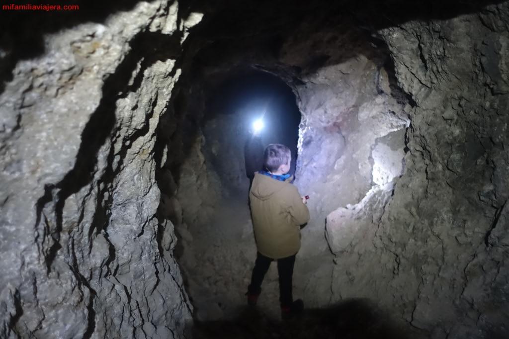 Cueva del Buseco, Oseja de Sajambre, León