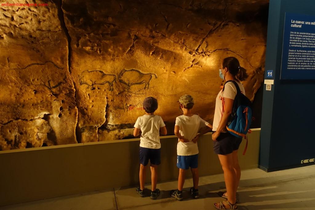 Pinturas rupestres del Parque de la Prehistoria de Teverga