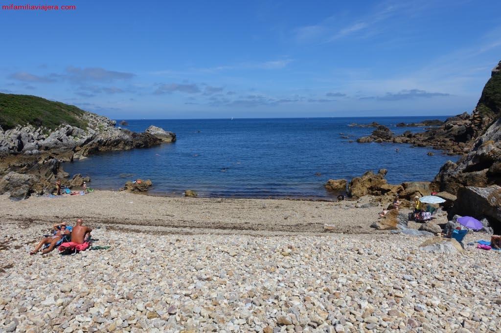 Playa de cantos rodados de Moniello