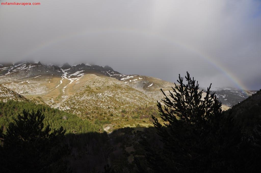 Arcoíris sobre el valle