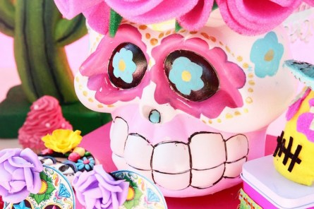 frida-kahlo-day-of-the-dead-inspired-fiesta-via-karas-party-ideas-karaspartyideas-com4_