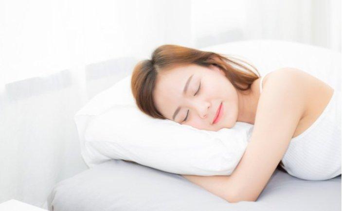 二の腕 細くする アームシェイパー 効果 おすすめ 付けて 寝る 危険 ホント