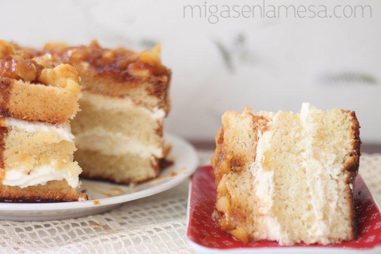 Layer cake de manzana y caramelo salado