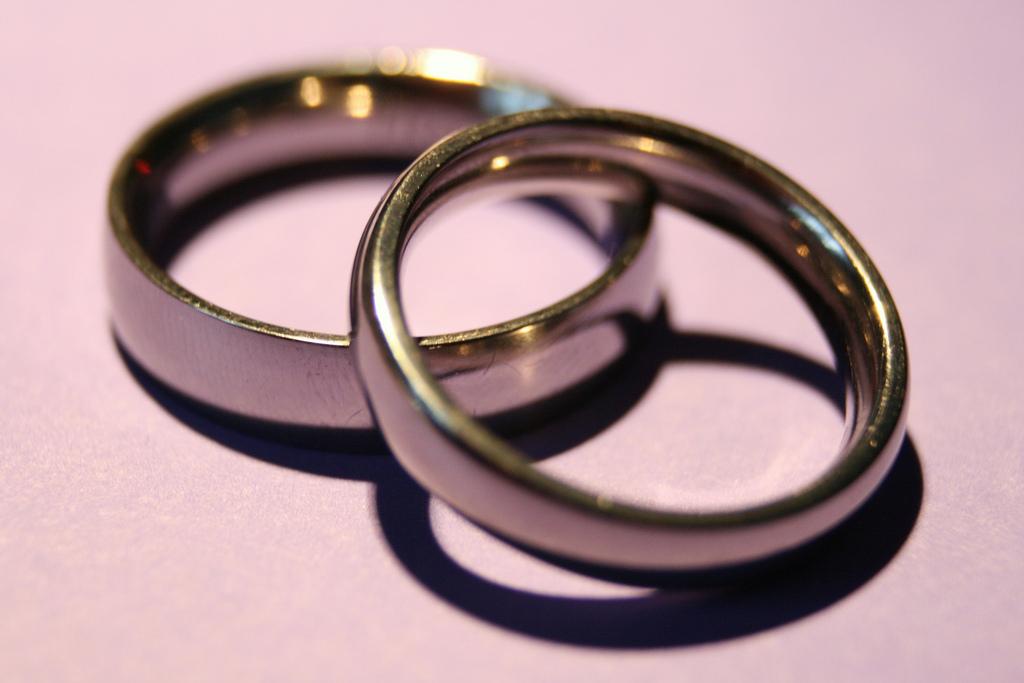 5 Reasons I Still Wear My Wedding Ring The Mighty Widow