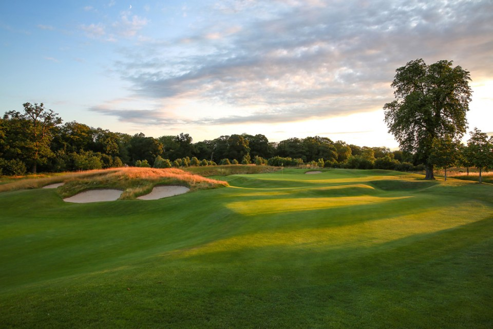 The stunning par 5 17th, protected by 'Bunker Hill' on the approach into the green. Photo by Kevin Murray