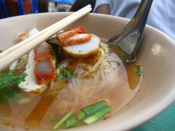 tom yum sen lek 100 Thai Dishes to Eat in Bangkok: The Ultimate Eating Guide