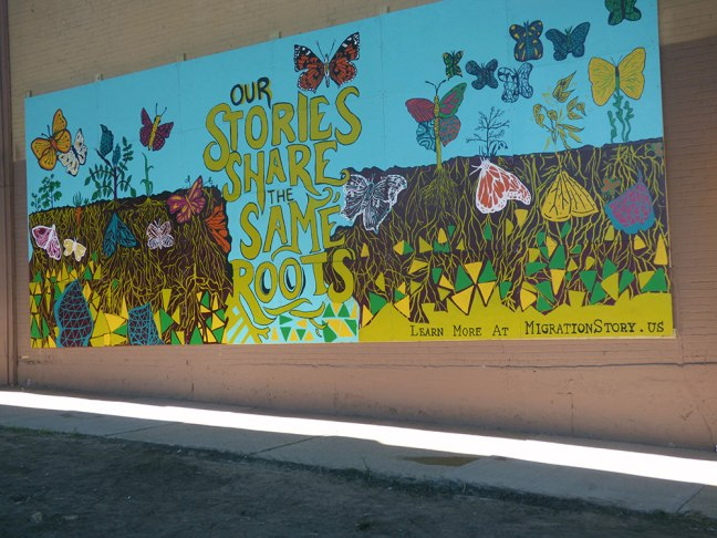 Escuela-Verd-students-and-mural-30