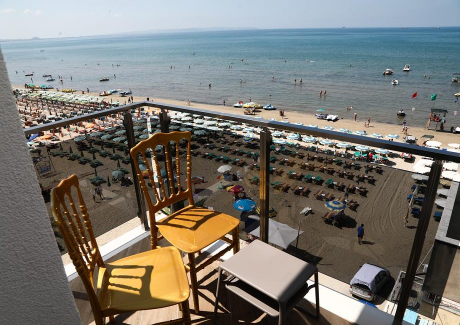 Read more about the article VILA ONE BEACH HOTEL 4* – ДРАЧ