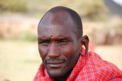dilatación-oreja-hombre-masai