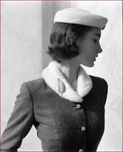 History of Fifties Fashion