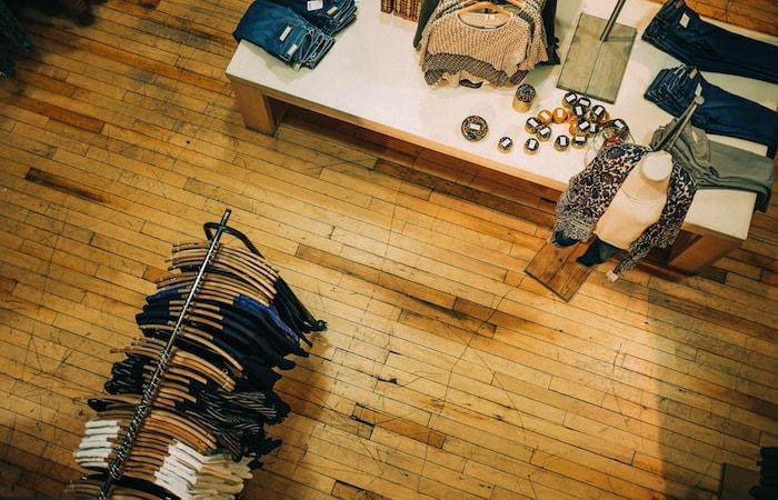 Inicio de actividad de tienda de ropa