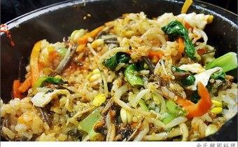 台北》淡江美食推薦:超道地韓國料理,金氏正宗韓式泡菜、韓式烤肉、辣炒年糕