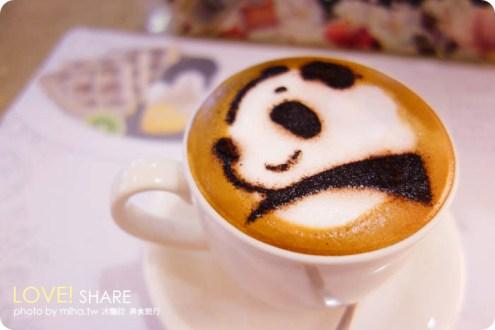 台中》療癒熊貓奶泡咖啡:胖達咖啡平價早午餐下午茶,都是圓仔的可愛咖啡廳