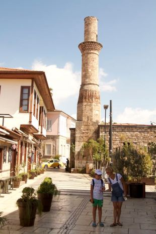 37-antalya-minaretul-rupt