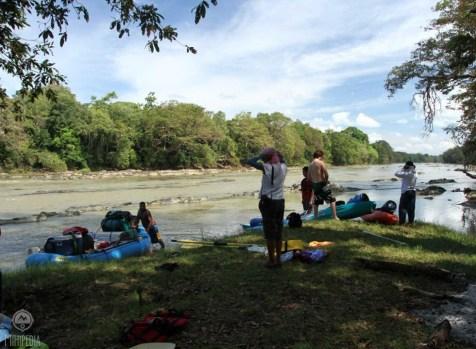 Kayaking-Down-the-Majestic-Mahaweli2