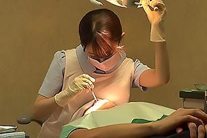 望月りさ 可憐で綺麗な歯科衛生士は秘密の治療!キスして巨乳おっぱいを舐めさせてちんぽを手コキから騎乗位で跨がり挿入腰を振る