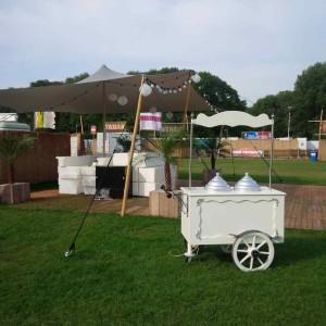Italiaanse ijscokar Day at the Park