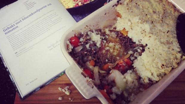PE2 p 114 gehakt met bloemkoolpuree en tomaten