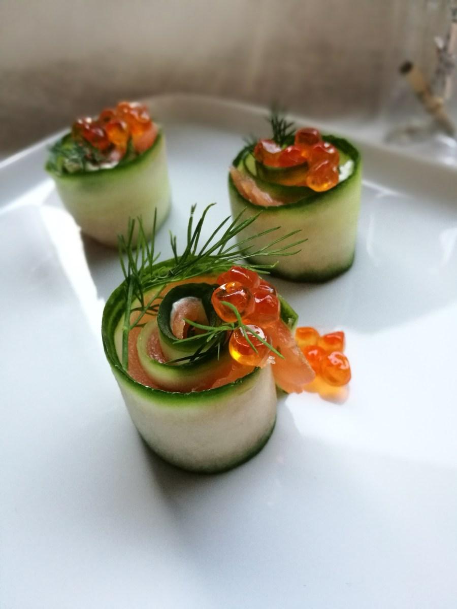 hapjes voor de feestdagen : zalm - avocado - gerookte forelfilet