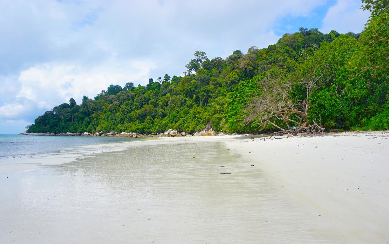 Pantai-Teluk-Segadas-Maleisie