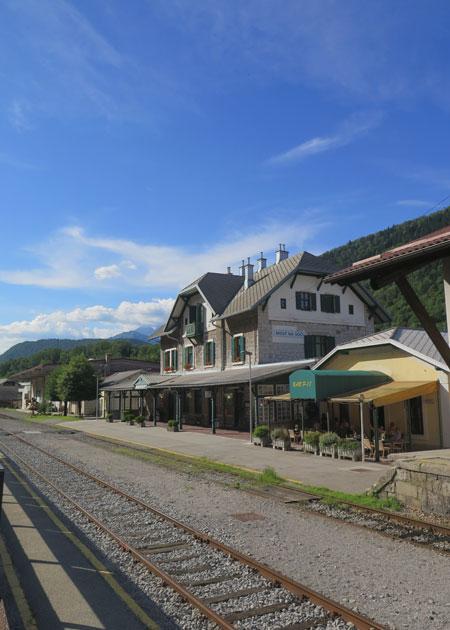 car train Bohinj Tolmin bron MijnSlovenie